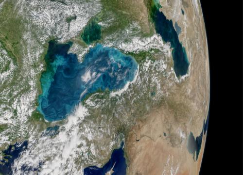НАСА: Черное море резко изменило цвет